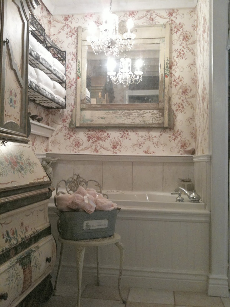 Chandalier works great french country bathrooms for French shabby chic bathroom ideas