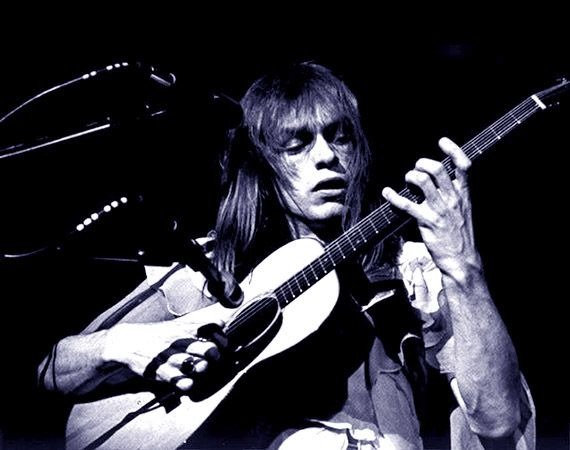 STEVE HOWE   Born in 1947, Steve began teaching himself to play the guitar aged 12, and lists Bill Haley, Les Paul, Barney Kessel and Chet Atkins among his influences. Steve first joined YES in 1970, and has also been a member of The Syndicats, Bodast, Tomorrow, Asia and GTR. A prolific performer, Steve released his 19th solo album in 2010 and Anthology in 2015.
