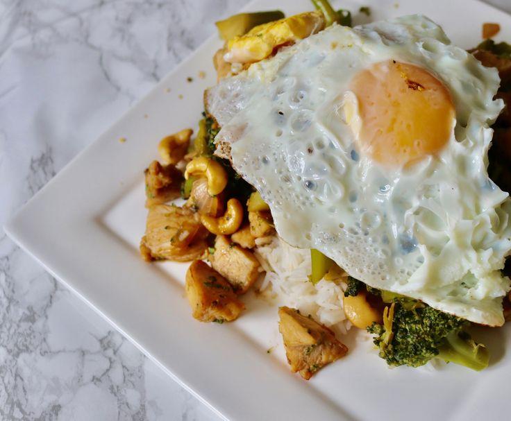 Power lunch van gemarineerde kipfilet, broccoli en cashewnoten