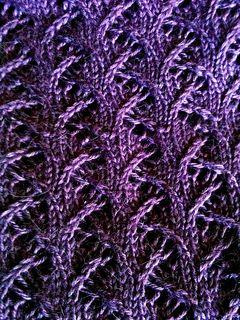 Free scarf- pretty stitch pattern- Thorny by Lisa Villarreal