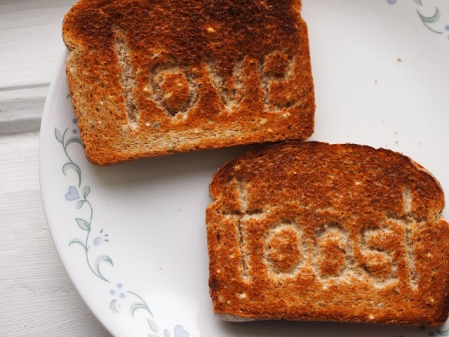 how to make shapes on toast