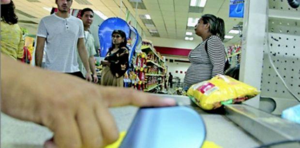 Reaparece la cartilla de racionamiento en Venezuela   Adribosch's Blog