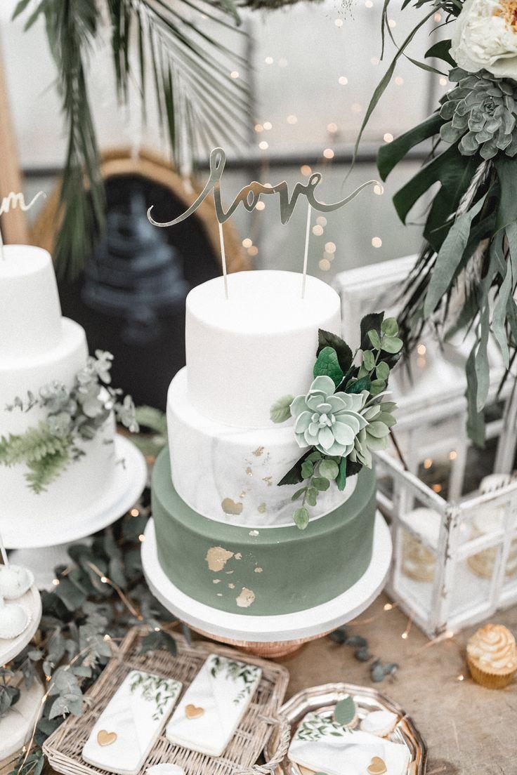 Hochzeitstorte grün weiss mit Love Cake Topper Urban Jungle – Urban goes Green …   – Wedding / Hochzeit
