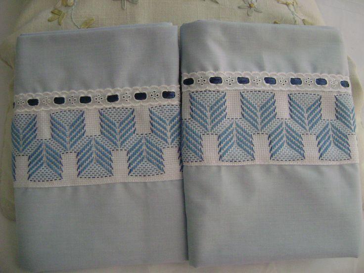 nuevas fundas para almohadas ahora en color celeste cielo