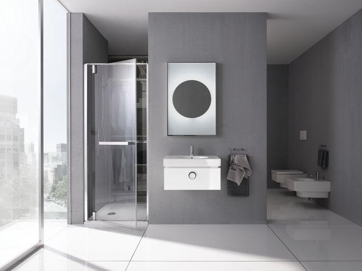 Luminosité fréquente, couleurs sobres assorties, et simplicité. Dans cette salle de bains, tous les matériaux se combinent parfaitement les uns aux autres pour délicieuse sensation de détente.