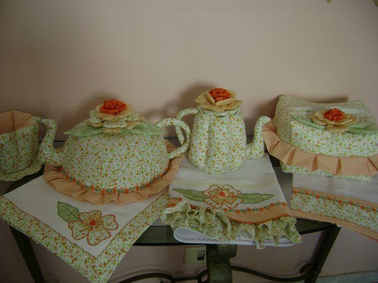 https://flic.kr/p/dG64zc | kit de chá | kit de chá 4jogos americano,pano de prato,xicara de tecido,bule,cobre bolo,porta pão pano de prato simples