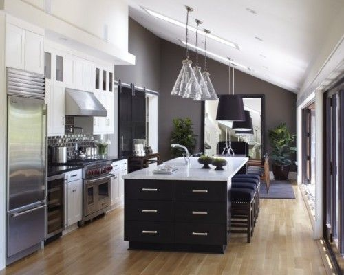 Balance of color - black counters on white cabinets, white counters on black with charcoal and navy.Decor, Dreams Kitchens, Kitchens Design, Contemporary Kitchens, Kitchens Ideas, Black White, Islands, Modern Kitchens, White Cabinets