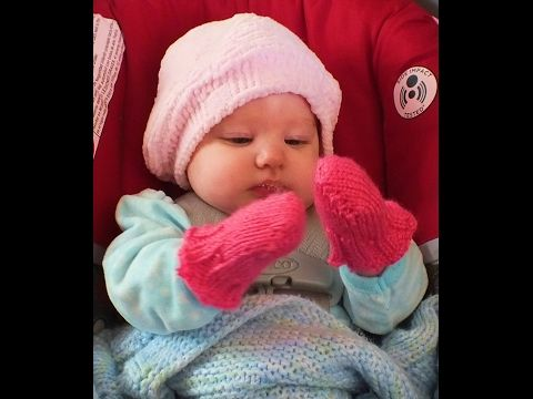 How To Loom Knit Baby Mittens - Super Easy - YouTube