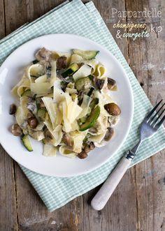 Makkelijke maaltijd: Pasta met champignons en kip. Via BrendaKookt.nl