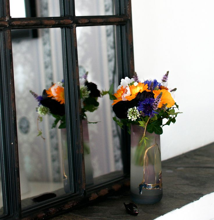 Julibuketten - en blomsterbukett med mye farge