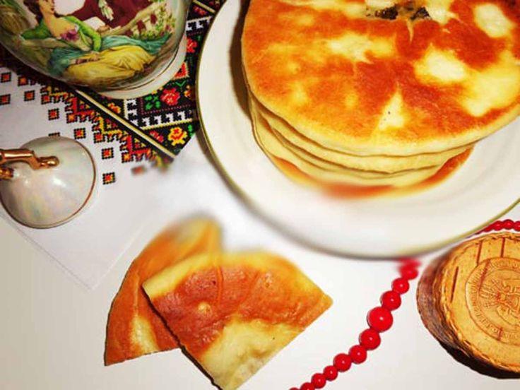 Plăcintele cu diverse umpluturi au intrat în cultura noastră gastronomicăși în obiceiul de a fi gătite atât la masa de fiecare zi cât și la cea de sărbătoare. Tradiția de a coace plăcinte a devenit o parte a culturii naționale. Acestea migrează de la o cultură la alta, fiind modificate și adaptate coloritului național propriu …