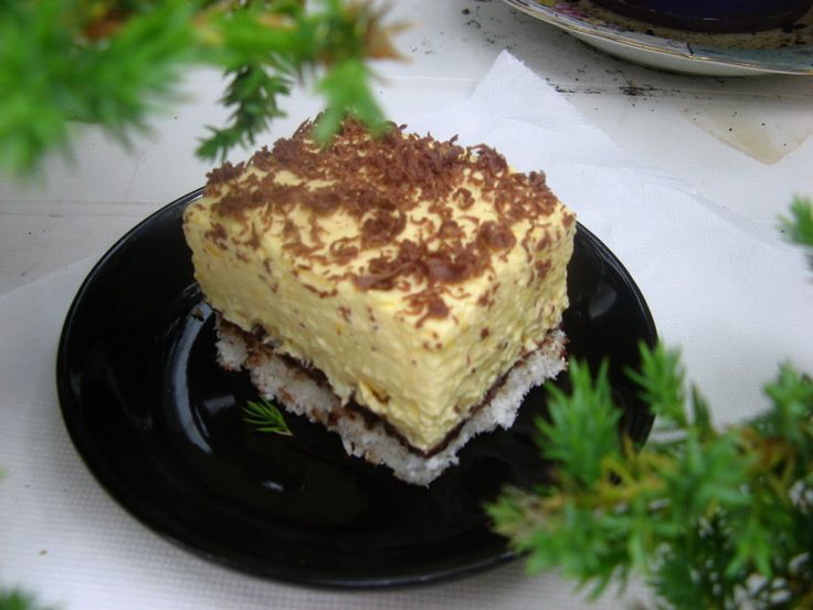 Fantasztikus kókuszos sütemény, lágy vaníliás kókuszkrém és omlós tészta, ez mesés!