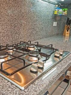 Nettoyer les boutons d'une plaque de cuisson : Les meilleures astuces de grand-mère pour nettoyer votre cuisine - Linternaute