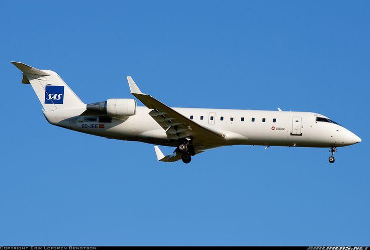 Canadair CL-600-2B19 Regional Jet CRJ-200ER, SAS Scandinavian Airlines (leased from Air Nostrum, operated by Cimber Air), EC-JEE, cn 7989, first flight 9/2004 (Air Nostrum), SAS delivered 12.3.2013. Foto: Copenhagen, Denmark, 24.7.2013.