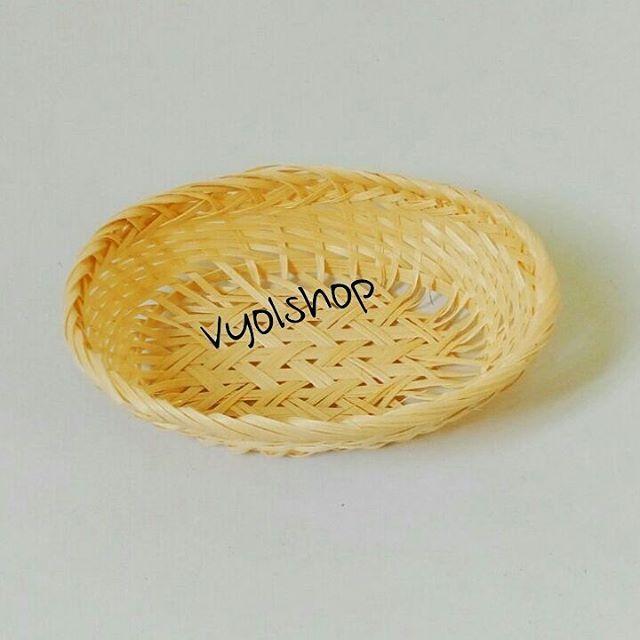 Keranjang bambu untuk kentang goreng,nugget,onion ring,roti panggang,snack dll  1. Keranjang bambu kecil Panjang 17cm Lebar 11,5cm Tinggi 5cm  HARGA : IDR 8,500/pc( min.4pcs)  2. Keranjang bambu besar Panjang 20cm Lebar 15cm Tinggi 7cm  HARGA : IDR 9,500/pc(min.4pcs)  Wa/sms : 087877066790 Shipping : Mon & Thu  #tempatkentang #tempatkentanggoreng #wadahkentang #wadahkentanggoreng #wadahfrenchfries #tempatfrenchfries #tempatsnack #wadahnugget #kentanggoreng #tempatbumbu #tempatbumbubambu…