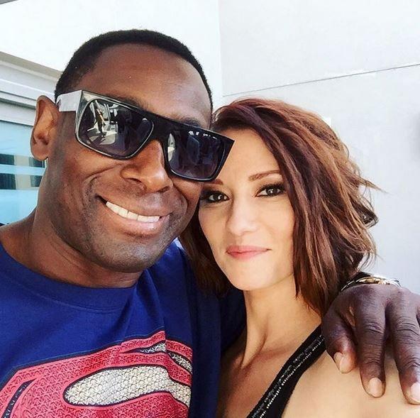 Chyler Leigh junto a su compañero de reparto en #Supergirl www.deborarte.com.ar