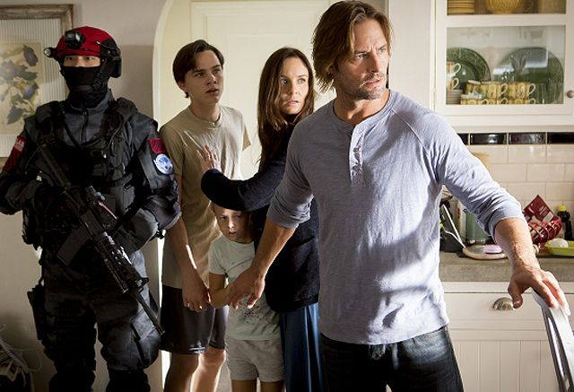Colony Season 2 Premiere Date and New Trailer http://filmanons.besaba.com/colony-season-2-premiere-date-and-new-trailer/  Colony Season 2 premiere date and new trailer USA Network has announced the Colony Season 2 premiere date along with a new trailer which you can check out below! ColonySeason 2 premieres Thursday, January 12 at 10/9c. Colony returns when alien intelligence are still in control of a near-future Los Angeles. In an effort to […]