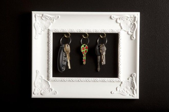 Never misplace your keys again with this DIY Key Frame Holder