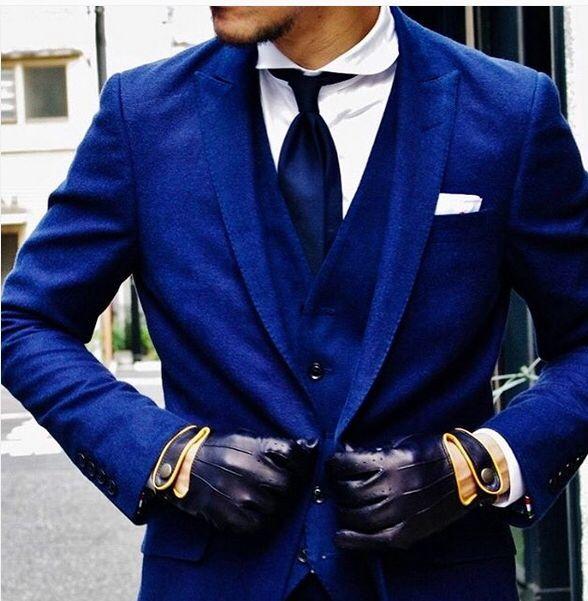 ブルーコットンサキソニーの1釦スーツ・・  青いが良い・・