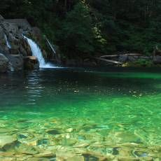 25 Best Swimming Holes in Oregon Bucket List: #1, 2, 7, 9, 10, 15, 19, 21, 23, 24