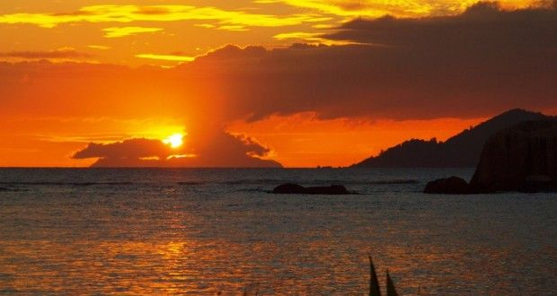 صور الغروب احلي صور لغروب الشمس علي البحر ميكساتك Photo Sunset Celestial
