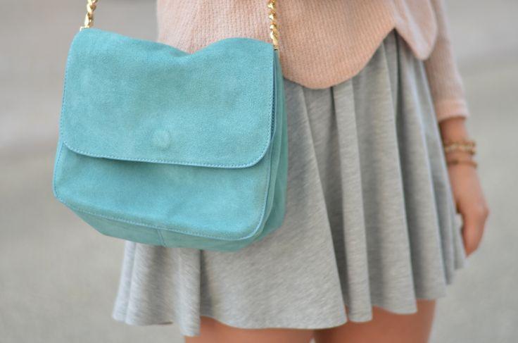 That cute little mint bag #fashion #fashionblogger #clothes #outfit