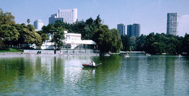Vista del lago de Chapultepec. / Rafael Doniz