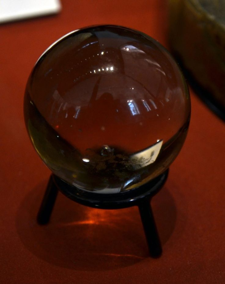 How to Perform a Crystal Ball Reading Step-by-Step - Love and Light School