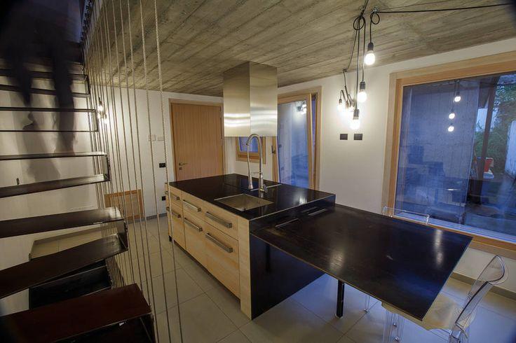 JC's House : Cucina minimalista di BEARprogetti - Architetto Enrico Bellotti