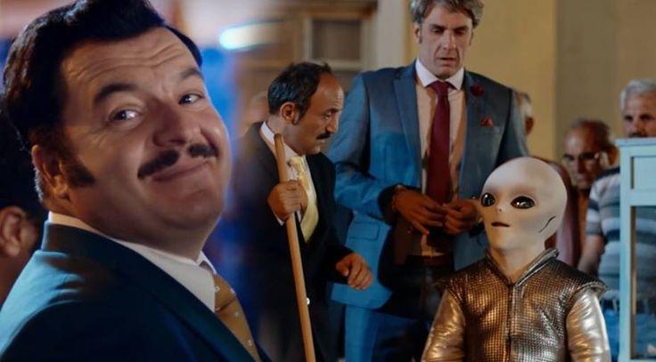 Kolonya Cumhuriyeti Mi, Muz Cumhuriyeti Mi? http://www.sanatduvari.com/kolonya-cumhuriyeti-mi-muz-cumhuriyeti-mi/ #KolonyaCumhuriyeti #GüldürGüldür #komedi #komedifilm #film #sinema #ÇağlarÇorumlu #BüşraPekin #ErsinKorkut #MuratKepez #sanat #sanatduvarı