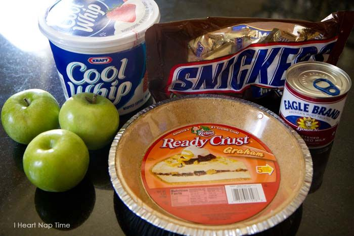 Snicker caramel apple pie I Heart Nap Time   I Heart Nap Time - Easy recipes, DIY crafts, Homemaking