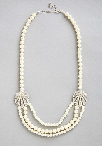 I Can Sea It Now Necklace. Envision an elegant look centered around this pearl necklace! #gold #prom #modcloth