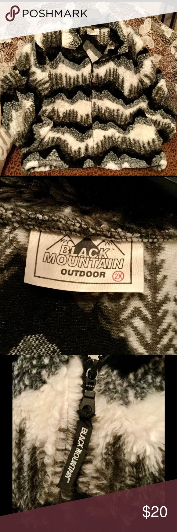 Women's Plus Size Jacket! Black Mountain outdoor super cute black and white soft, cozy zip up jacket! Has two pockets, Excellent Condition! Size 2X Black Mountain Jackets & Coats