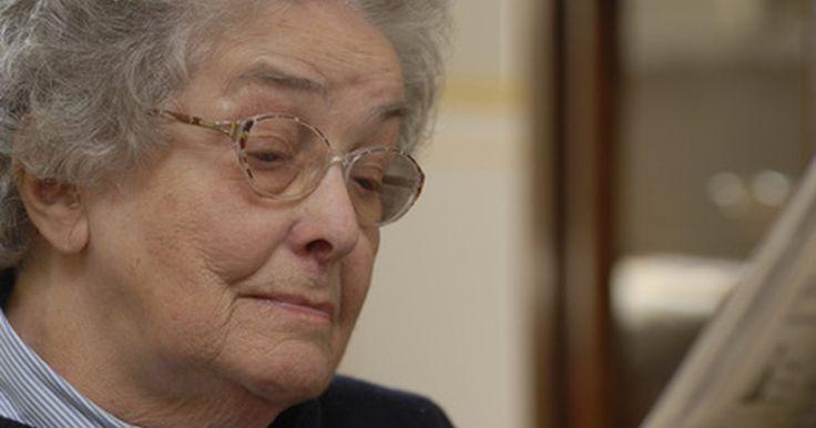 A perda de memória relacionada à idade pode ser muito frustrante para pessoas idosas. Ela faz com que os idosos se sintam envergonhados, confusos e até deprimidos. Em muitas ...