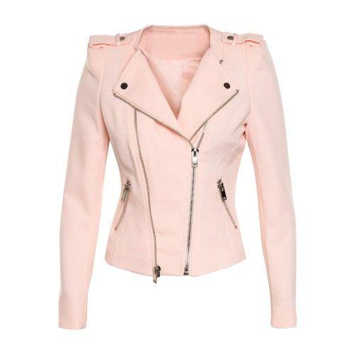 Roze perfecto met zilverkleurige ritsen. De pop draagt S.