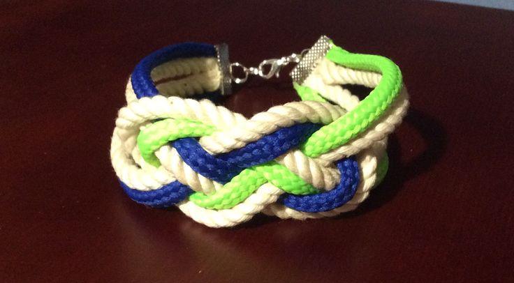 Rope bracelet - first try       (První pokus se šňůrou)