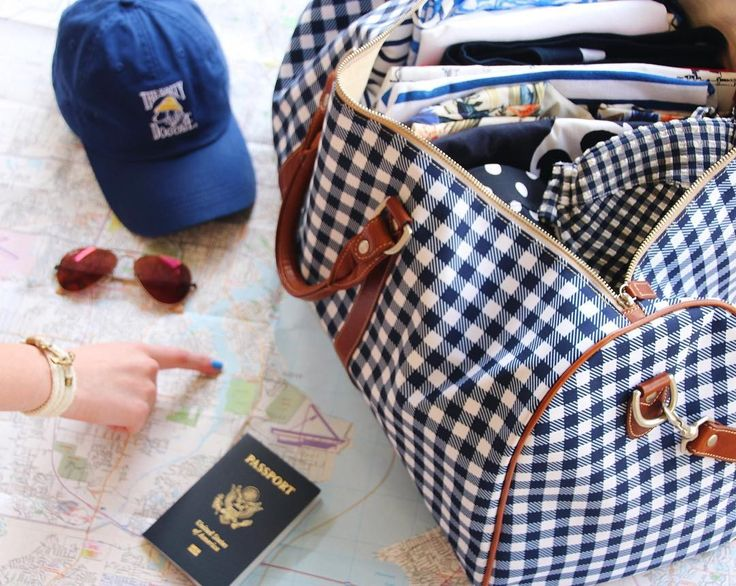 Barrington Gifts Belmont Cabin bag in Navy Gingham