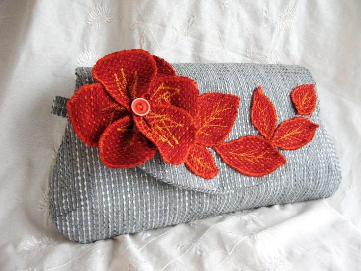 Red, orange purse by http://www.breslo.hu/item/Red-orange-leafs-megendelheto_3061#