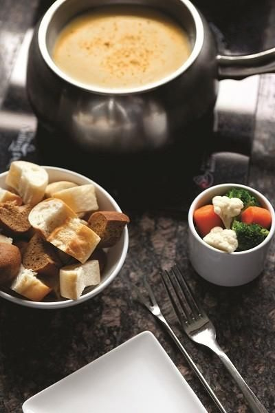 The Melting Pot offers recipes and tips for making great fondue for ...