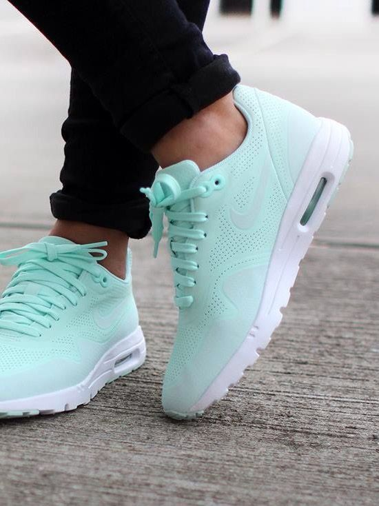 Nike Air Max 1 Ultra Moire: Light Tiffany Blue shopping now on the website www.diybrands.co can get 10%-15% discount with the original package and fast delivery provides the high quality replicas such as the LV ,Gucci ,Dior ,Nike,MK ,DG ,Burberry and so on