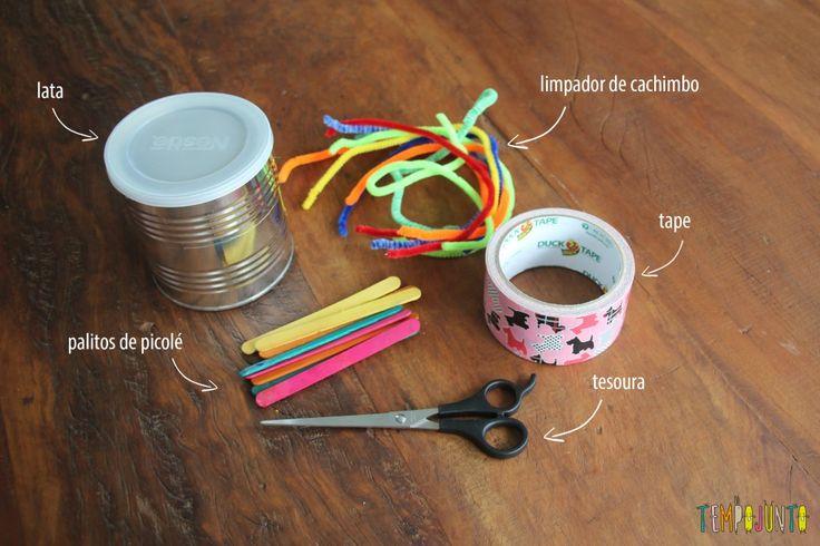 Brinquedo feito em casa para estimular a coordenação motora fina do bebê. Um brinquedo caseiro super fácil de fazer.