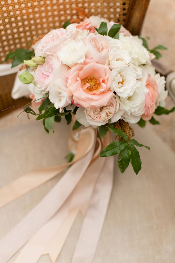 rose gold bouquet   bouquet rosa dorato   Rose gold inspiration shoot   Pale autumn wedding   Autunno romantico http://theproposalwedding.blogspot.it/ #autumn #wedding #fall #rose gold #gold #pink #romantic #matrimonio #autunno