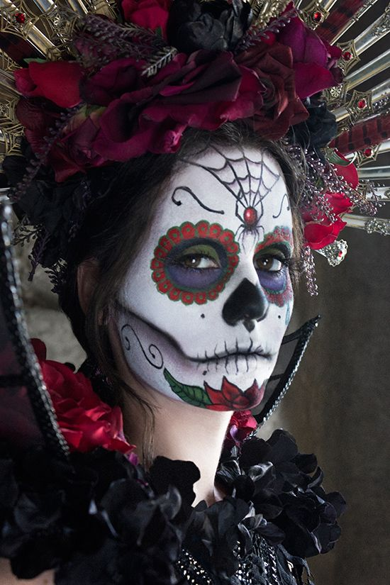 Dia de los Muertos  ... a mix of Carnivale and   Halloween ... ghoulish