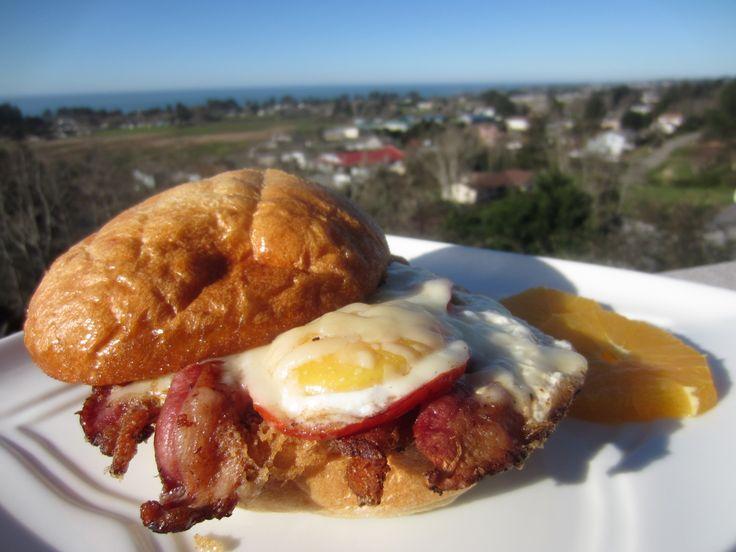 #myallrecipes #myallrecipesfaceless http://allrecipes.co.uk/recipe/462/the-ultimate-bacon-sarnie.aspx?o_is=SR