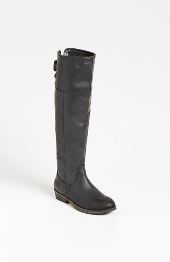 Fall flat heeled black boots to wear to work