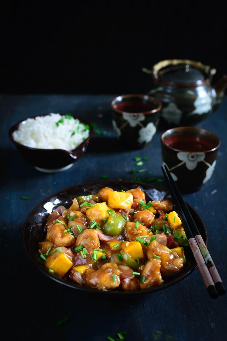 #Mango #MangoRecipes #Mangolicious  Spicy and Sweet Mango Chicken is a delicious Chinese style chicken gravy with a twist of mango. Enjoy this different #SummerHacks recipe with noodles and fried rice this weekend.