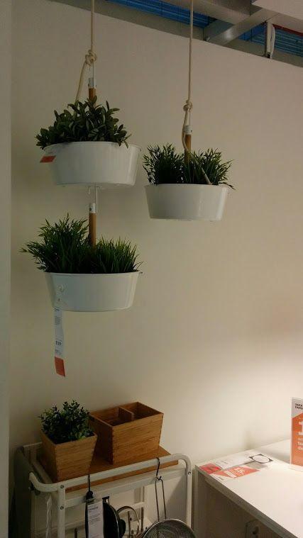 Les 25 meilleures id es concernant jardini res suspendues sur pinterest plantes suspendues - Decorer terras avec plantes ...