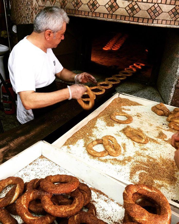 Making Simit . Istanbul