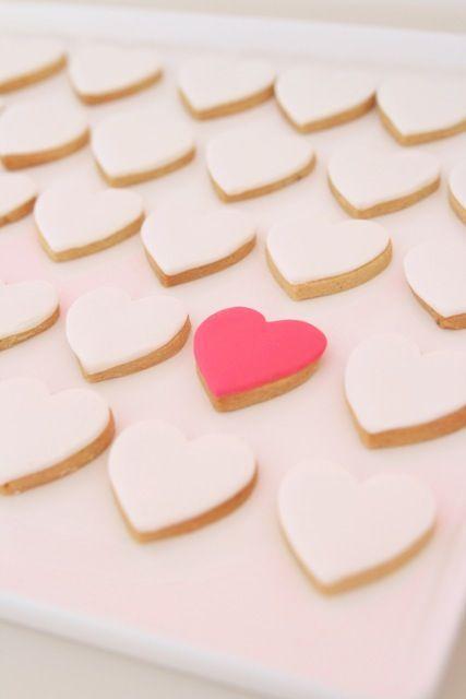 hello naomi | heart cookies #celebrateeveryday