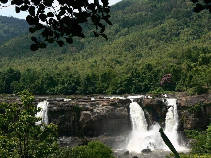 Athirappalli and Vazhachal Falls are one of the most famous and hotspot destinations of Kerala. Located about 60 km from Thrissur city in Athirappalli in Thrisuur District of Kerala.